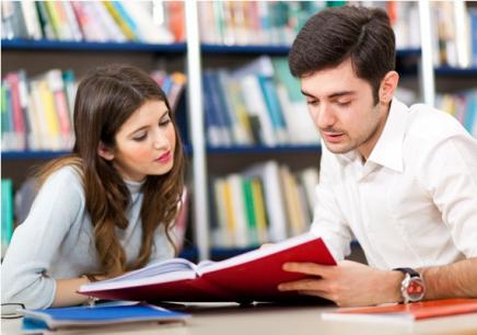 英语机构_武汉英语培训一般多少钱