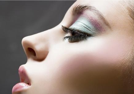 化妆打底的正确步骤