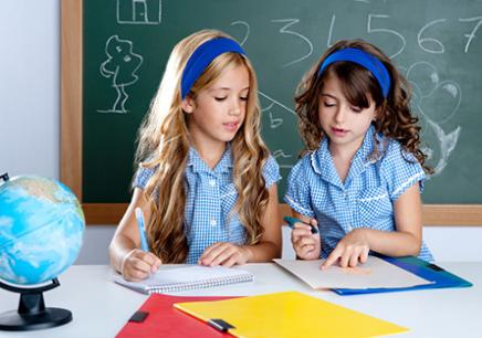 在线学儿童英语培训