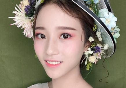 福州学化妆_【福州艾琳达化妆培训机构】
