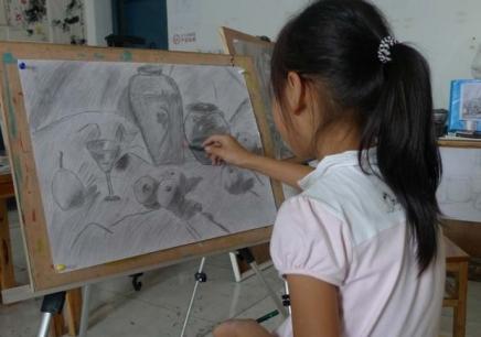 北京桔子树艺术培训学校,北京好的少儿素描培训班