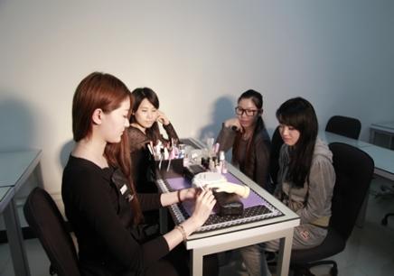 重庆学习美甲要多少钱