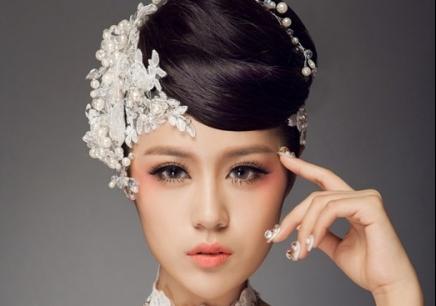 抓纱新娘造型步骤