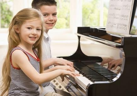 幼儿钢琴培训班图片