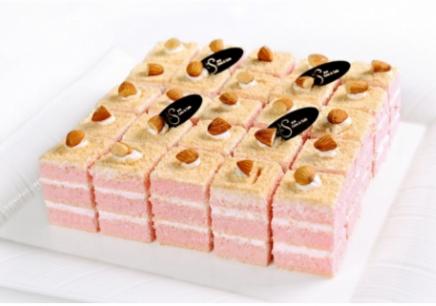 奶油打发,圆形蛋糕胚制作,圆弧形蛋糕胚制作,玫瑰花,百合花,牡丹花