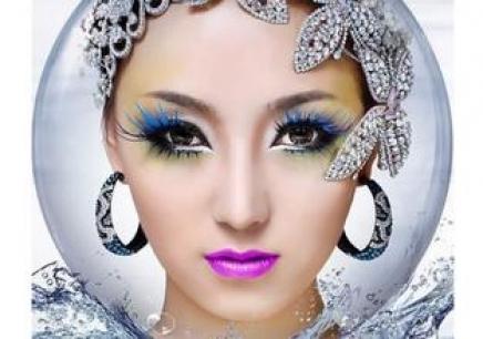 舞台妆眼影的画法图解