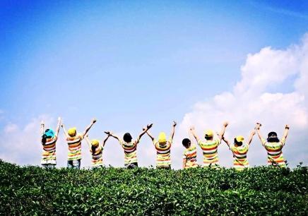 南宁未来领袖(十商)励志营暑期培训