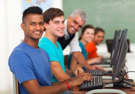 南昌哪里有网站开发与设计入门培训学校