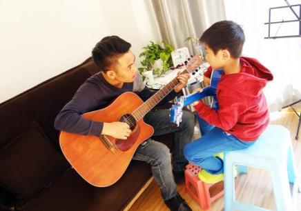 沈阳吉他培训班,沈阳学吉他哪家好,沈阳吉他速成班