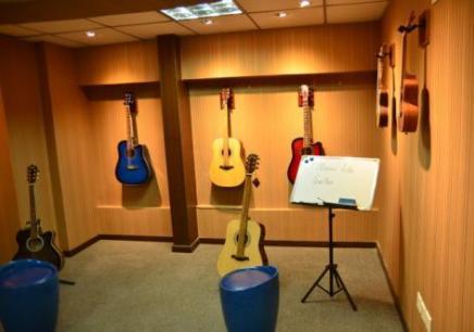 沈阳吉他学习班价格,沈阳哪里有吉他培训班,沈阳学吉他多少钱