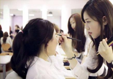 深圳美容美发化妆培训学校