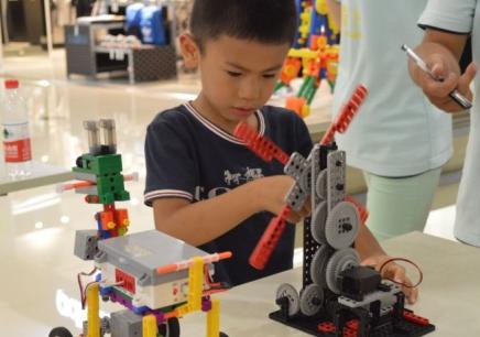 乐高机器人培训课程哪家好 什么教育机器人比