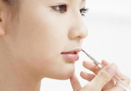 广州学习化妆培训