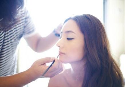 广州化妆初级课程