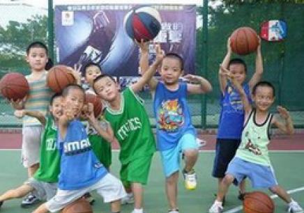 武漢湖北大學附近少兒籃球培訓