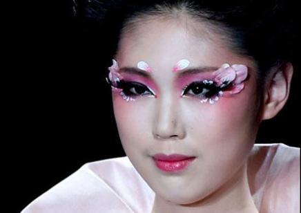 昆明哪里可以學化妝  多少錢 貴不貴  是不是小班制