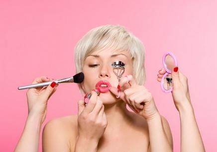西湖区化妆美容学校