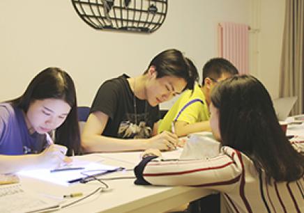 北京哪有达罗捷派学校高中课程