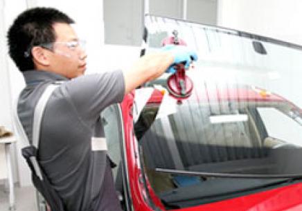 上海高级汽修与钣金喷漆培训班