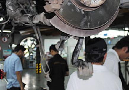 上海的汽车机电一体化精英培训班