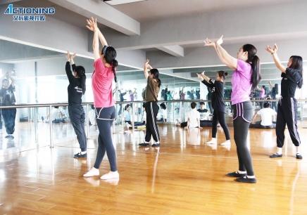 广州表演培训学校