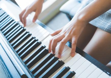 深圳钢琴培训课程费用