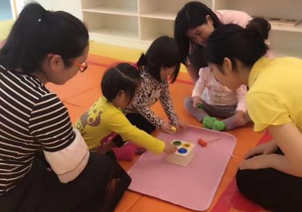 苏州早教托班培训之创意美术课