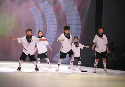 廣州少兒街舞寒假集訓班