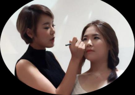 1月赴韩彩妆培训