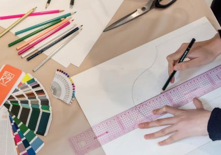 佛山服装设计亚博体育免费下载课程