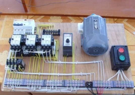 维修电工照明电路实物接线图