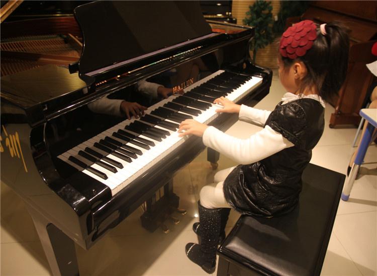 各种钢琴图片素材