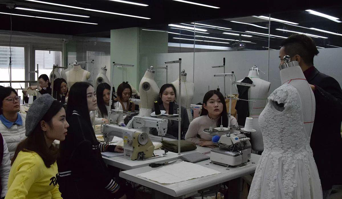 上海服装设计师培训课程有哪些_上海服装设计培训学校