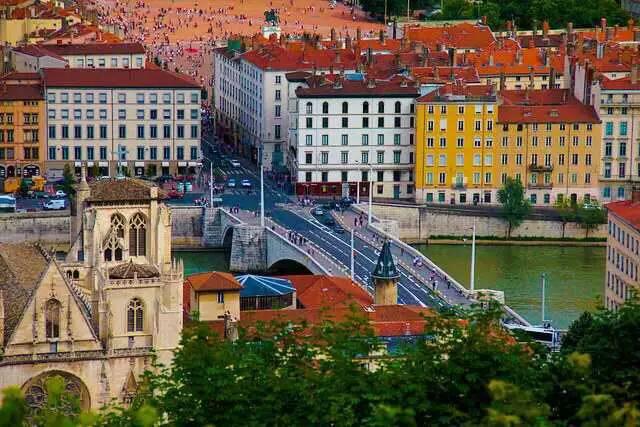 法国里昂IDRAC高等商业管理学院MBA学位班