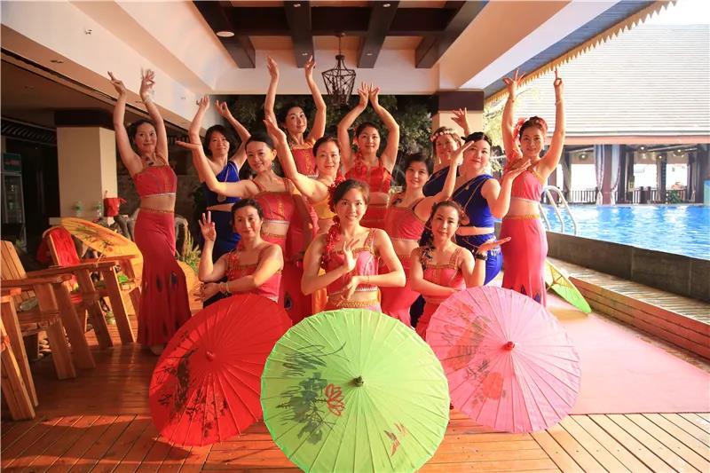 广州女性商务礼仪培训