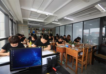 唐山平面设计培训班一般多少钱